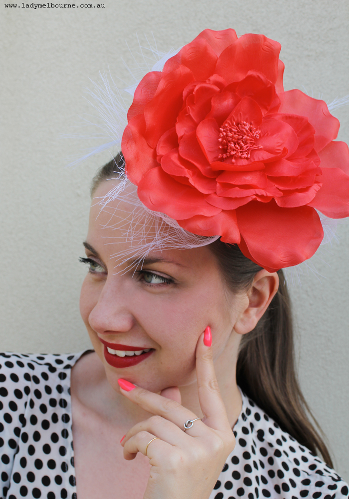 Melbourne Cup is quickly approaching! When I think of Melbourne Cup, I picture food, fashion and fun. If you haven't planned anything, here are some quick recipes, craft ideas and fascinator picks that I put together