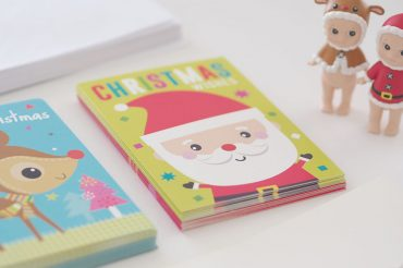 christmas-countdown-checklist-for-a-planned-and-organised-holiday-season-christmas-cards-feature