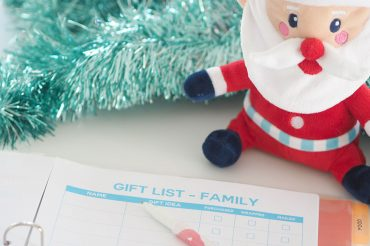 christmas-countdown-checklist-for-a-planned-and-organised-holiday-season-create-gift-list-feature