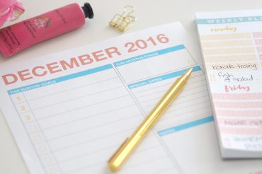 december-2016-monthly-planning-page-feature