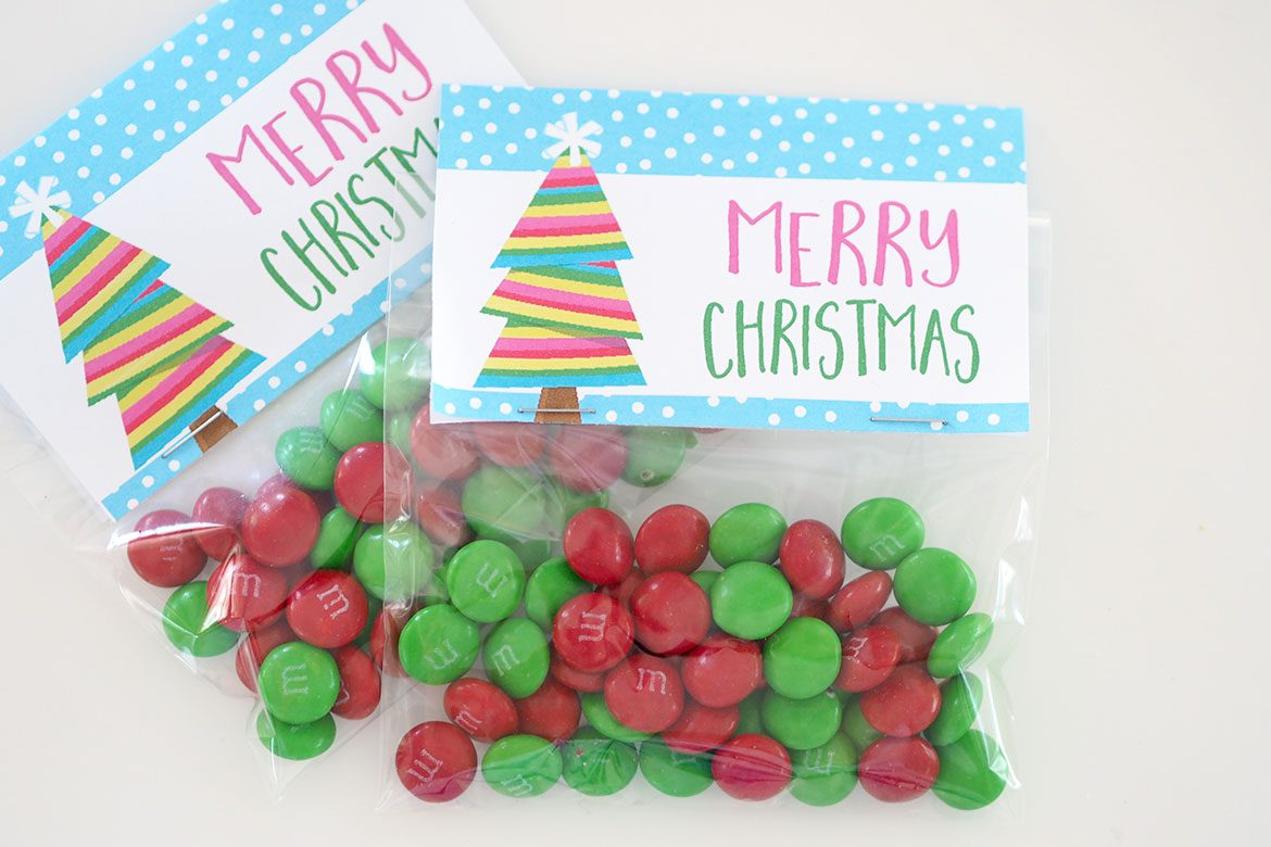 photograph relating to Christmas Bag Toppers Free Printable identified as Xmas Deal with Luggage + PRINTABLE BAG TOPPERS - The Organised