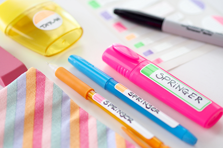 Back to school time is a balancing act with a house full of kids and having to organise school supplies, lunchboxes, uniforms, paperwork, work, household duties, the list can go on.... it's exhausting just thinking about it! If you're feeling overwhelmed I'm here to help you get prepared, sharing my Back to school tips for busy mums, to help you have everything organised for the first day of School.
