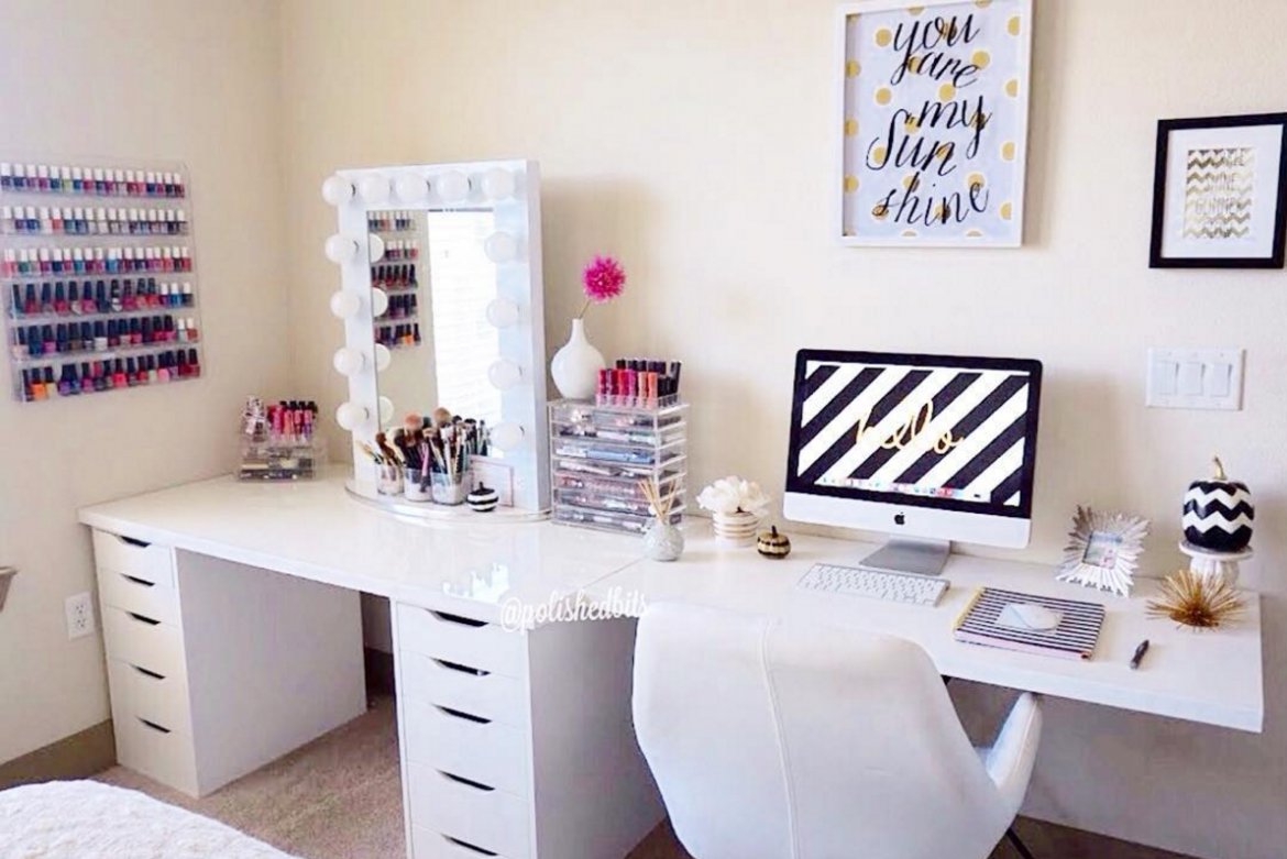 styling ideas for teen girls desks the organised housewife. Black Bedroom Furniture Sets. Home Design Ideas