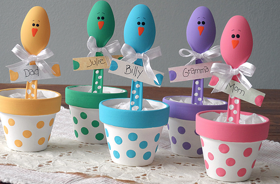 Easter is one of my favourite holidays. To me, Easter is all about spending time with loved ones, eating chocolate and having fun. I've put together some Clever Easter Party Ideas that will help you decorate your house and entertain your guests.