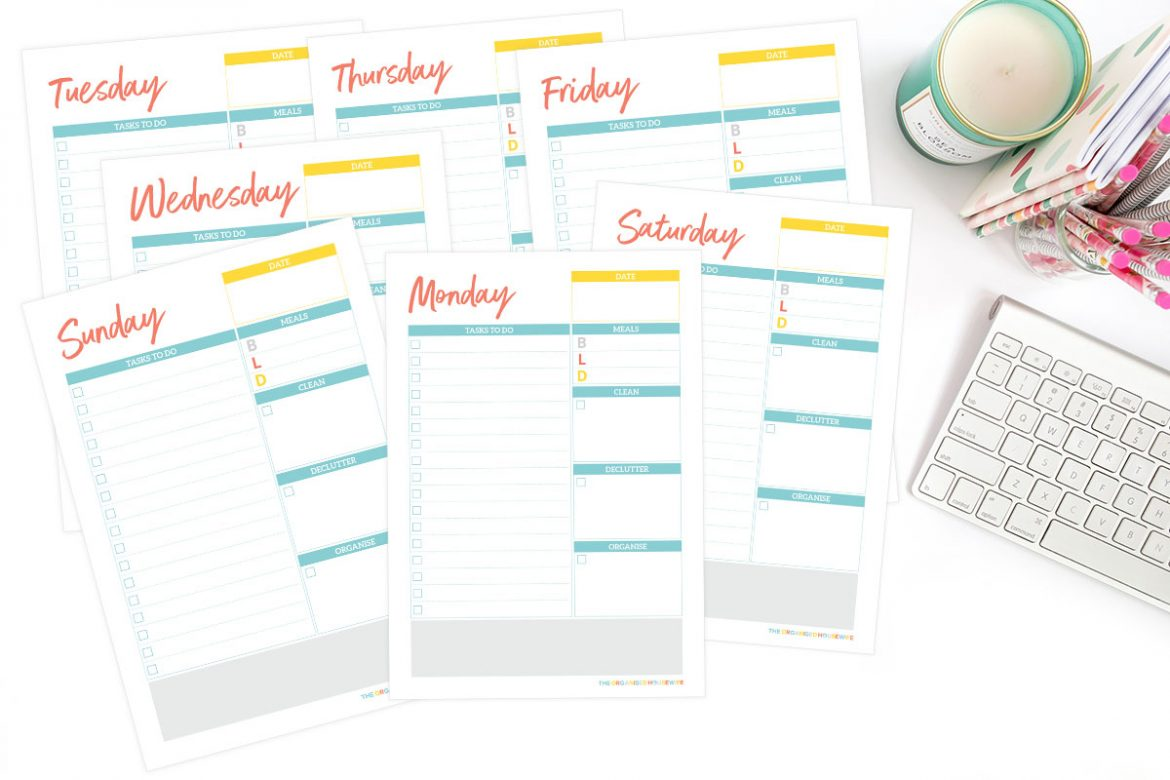 Start your day with a plan to help you accomplish your goals by the end of the day, with my home organisation daily planner pages.  Write down the cleaning, organising and decluttering tasks you want to achieve each day.