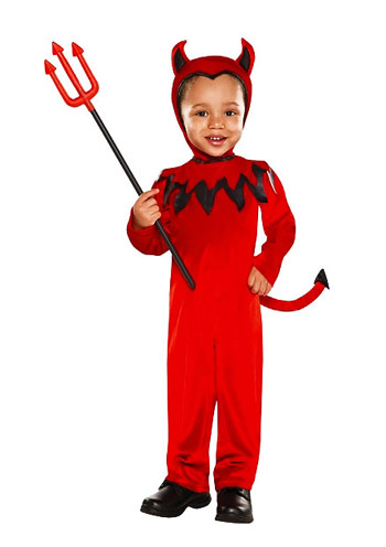 Here I share some some wacky, weird, scary, funny and definitely some silly ideas for your family Halloween costumes.