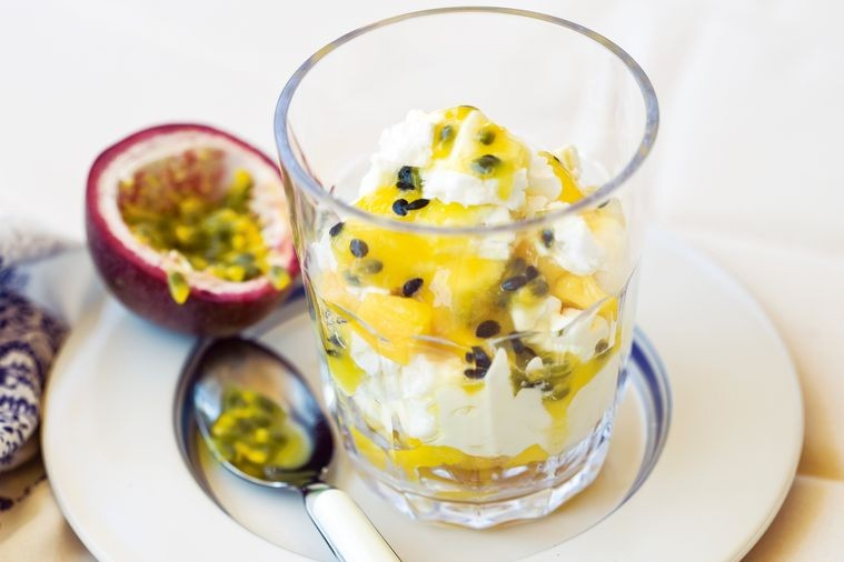 Mango and passionfruit Australian mess recipe