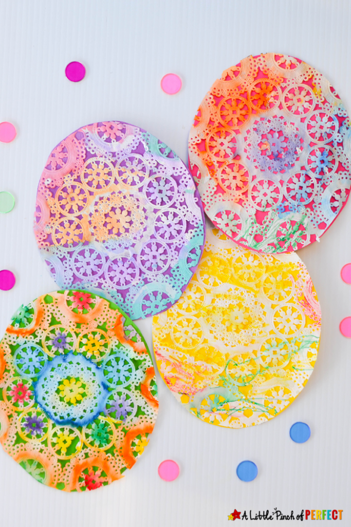 Easter is only a week away and with a long weekend to enjoy and celebrate the occasion, it's the perfect excuse to get the family around the table to do some craft activities.