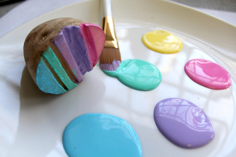 Easter craft ideas that the whole family will enjoy the organised diy easter bunny gift bags a paper bag some string and a few easter decorations and youll be able to give an easter gift made with love negle Gallery