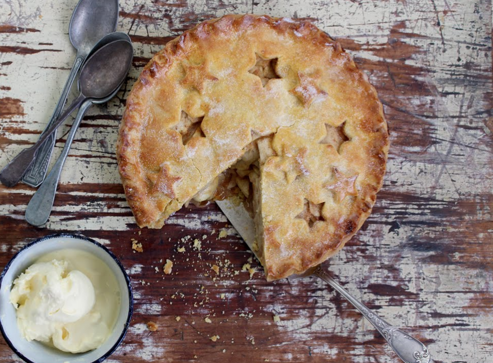 Fathers Day Recipe Ideas - apple pie with caramel