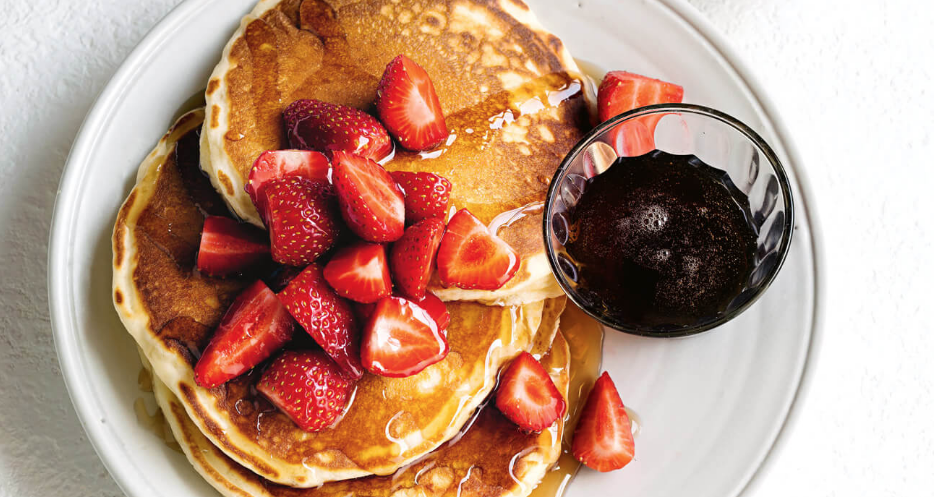fathers day recipe idea - basic pancakes with strawberries