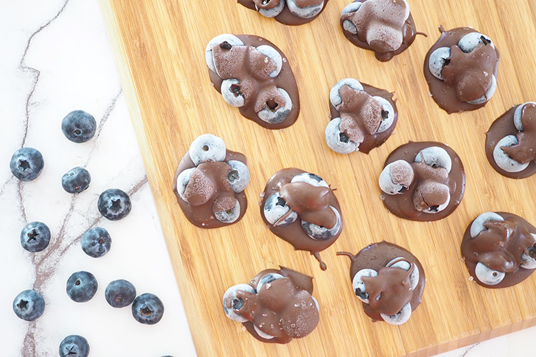 These three-ingredient Frozen Chocolate Blueberry Clusters make for a sweet treat with a healthy twist.