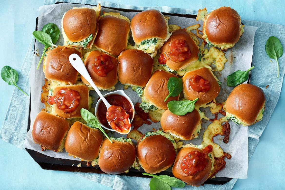 I have put together a list of delicious footy finals snack ideas to entertain your fellow footy fiends, so you can enjoy both the food and the game!