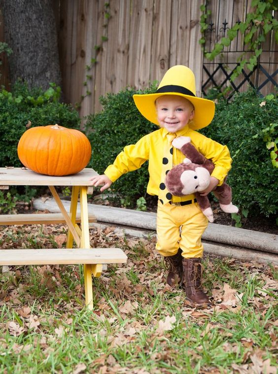 Halloween is fast approaching! I've put together 14+ Halloween Costume Ideas for your little ones that are adorable, easy to make and perfect for trick or treating and school dress-ups!