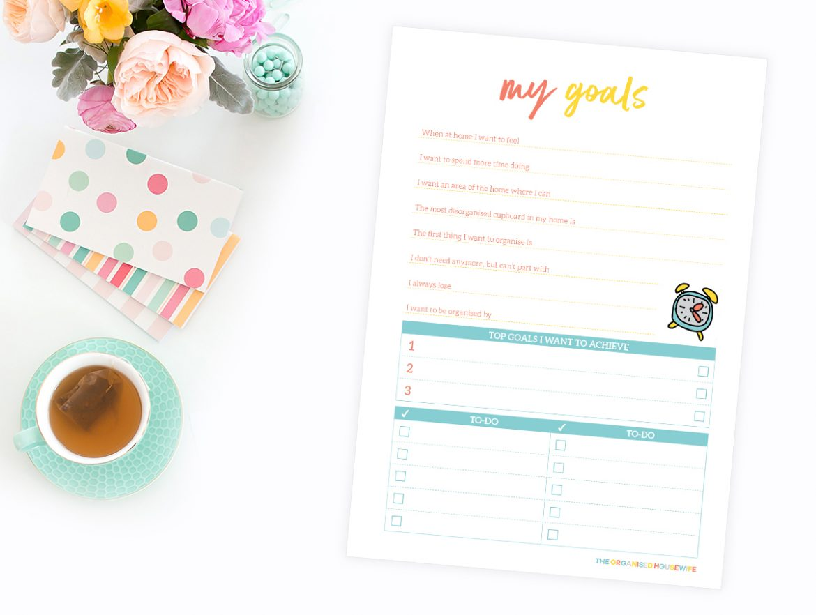 Before we start the Declutter 52 things in 52 Week Challenge I want to help you create your 2019 organising goals.