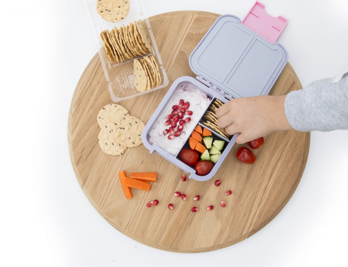 preparing healthy school lunchbox for children