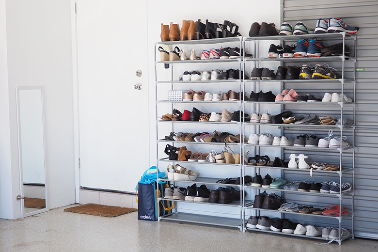 Do you find yourself ever tripping over shoes that your kids have left at the front door? This shoe storage rack was super easy to construct and can hold up to 50 pairs of shoes, making it a simple organised shoe storage hack!
