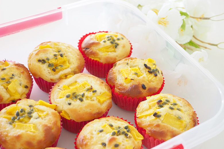 Mango muffins with passionfruit