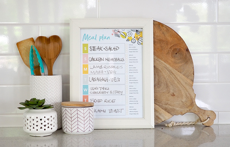 Meal planning printable to organise dinner time for busy parents
