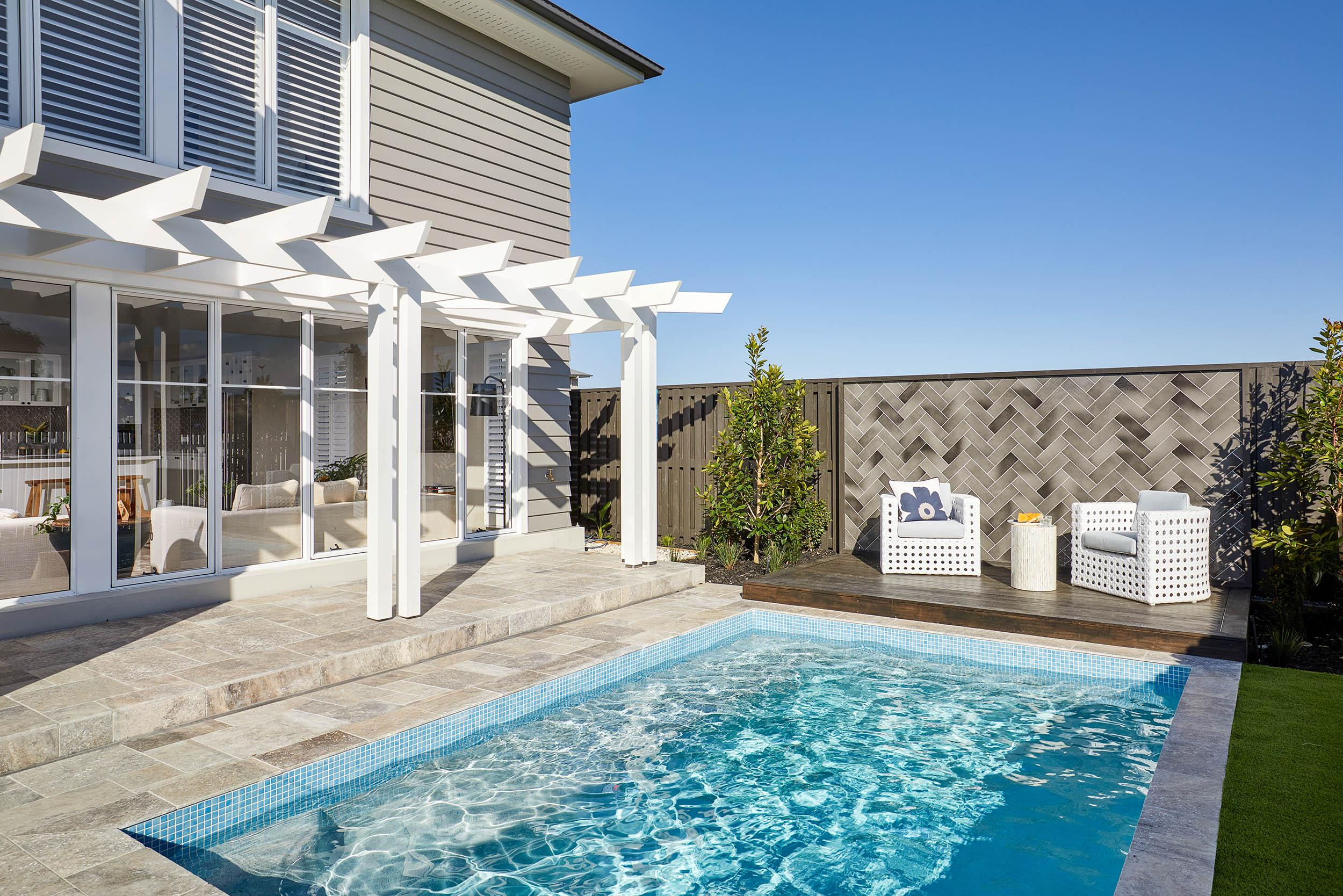 How to clean and tidy outdoor furniture and cushions