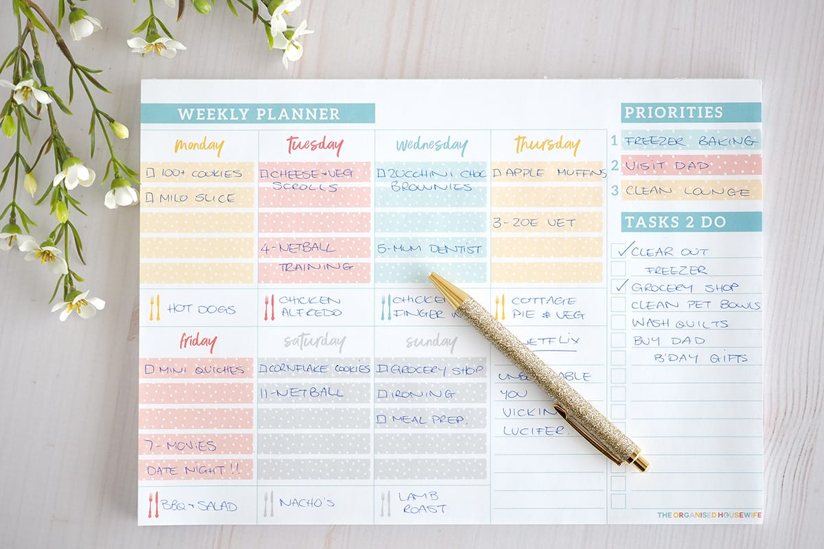 Weekly planner notepad for organised stress free week