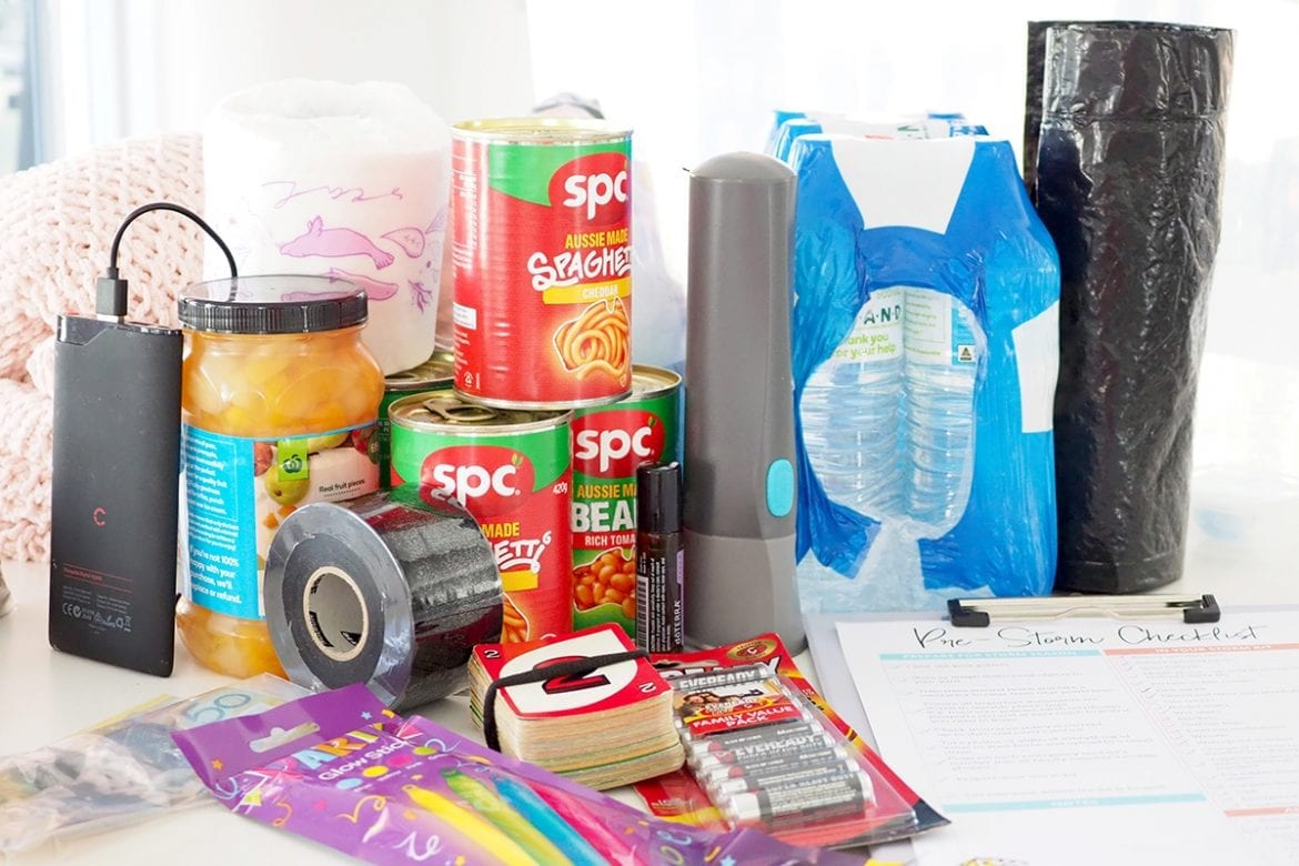 How to prepare a storm kit for storm season