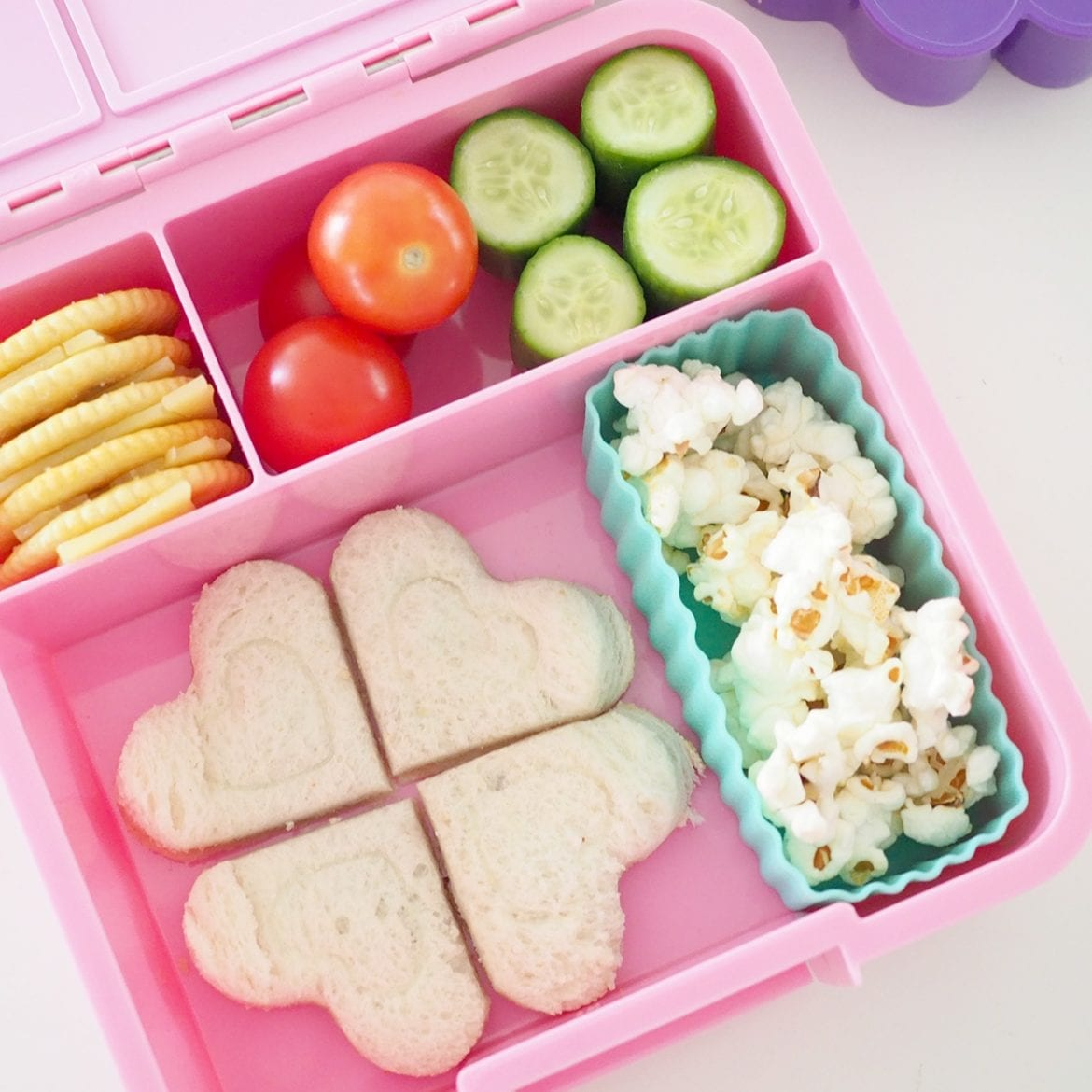 School lunch box idea for balanced easy lunch