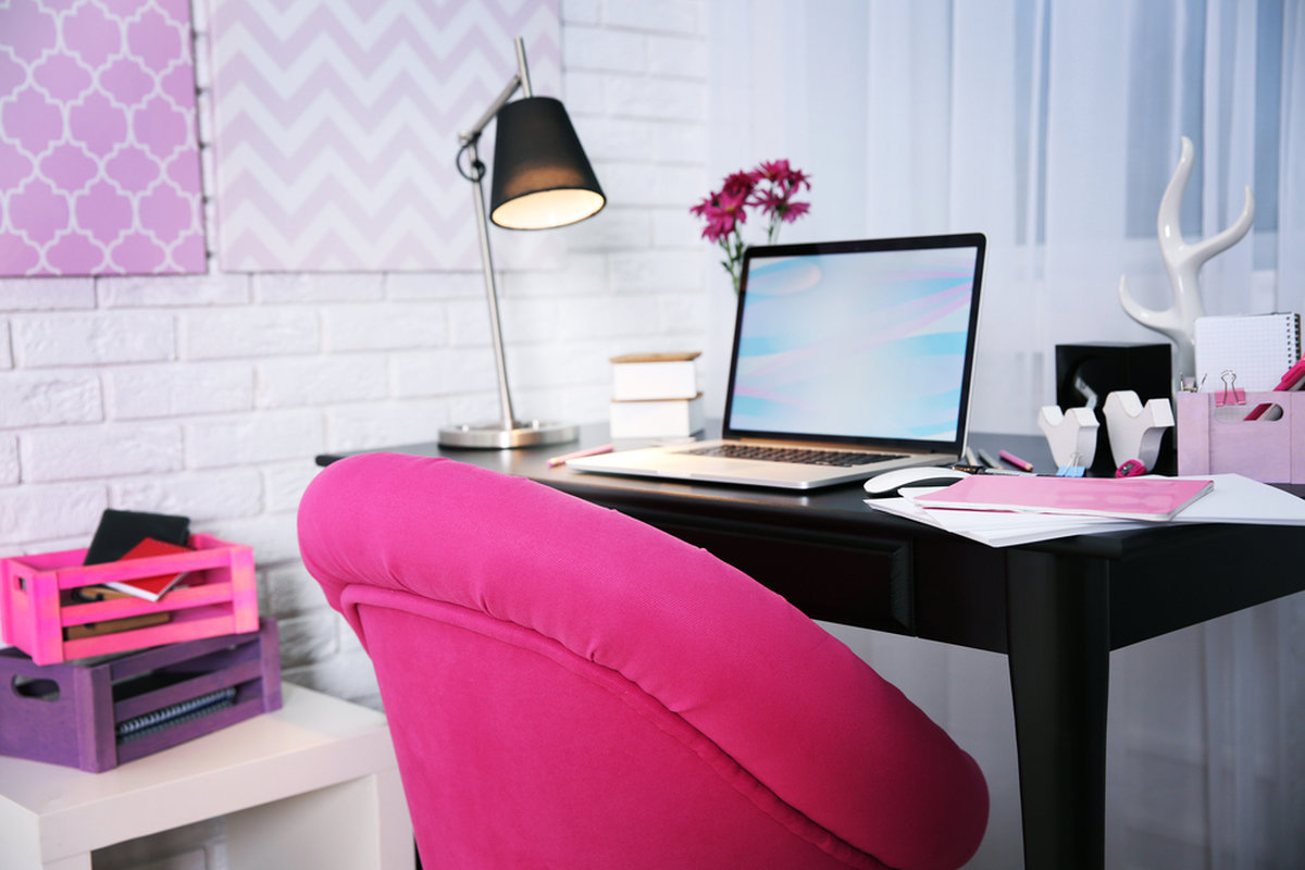 Bright pink office chair for happy home study