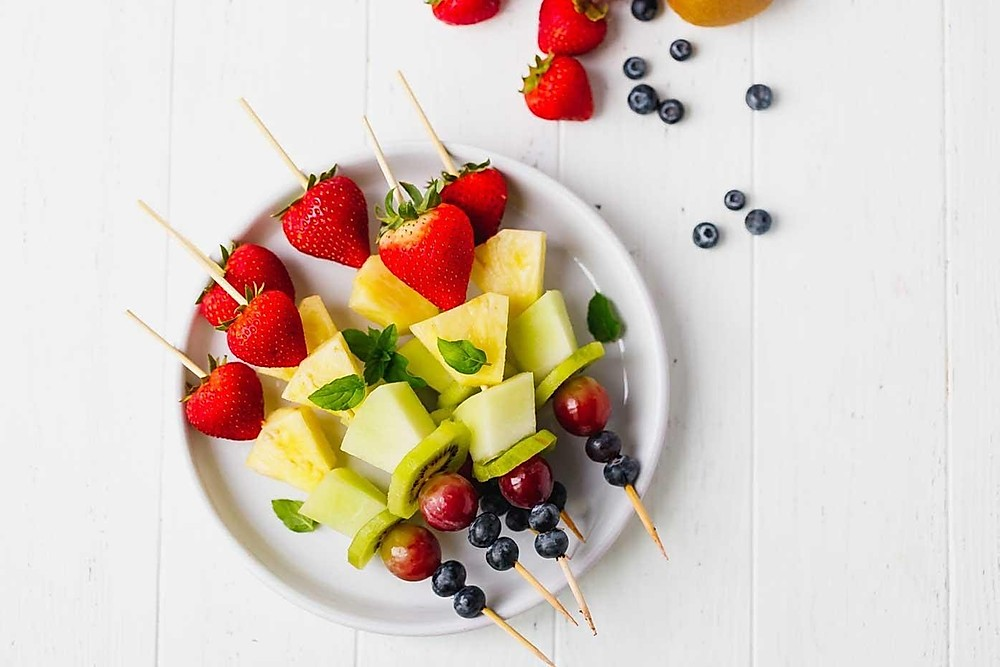 Fruit skewers to make with the kids