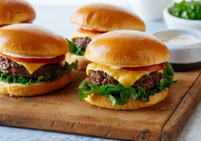 Homemade burger recipe for families