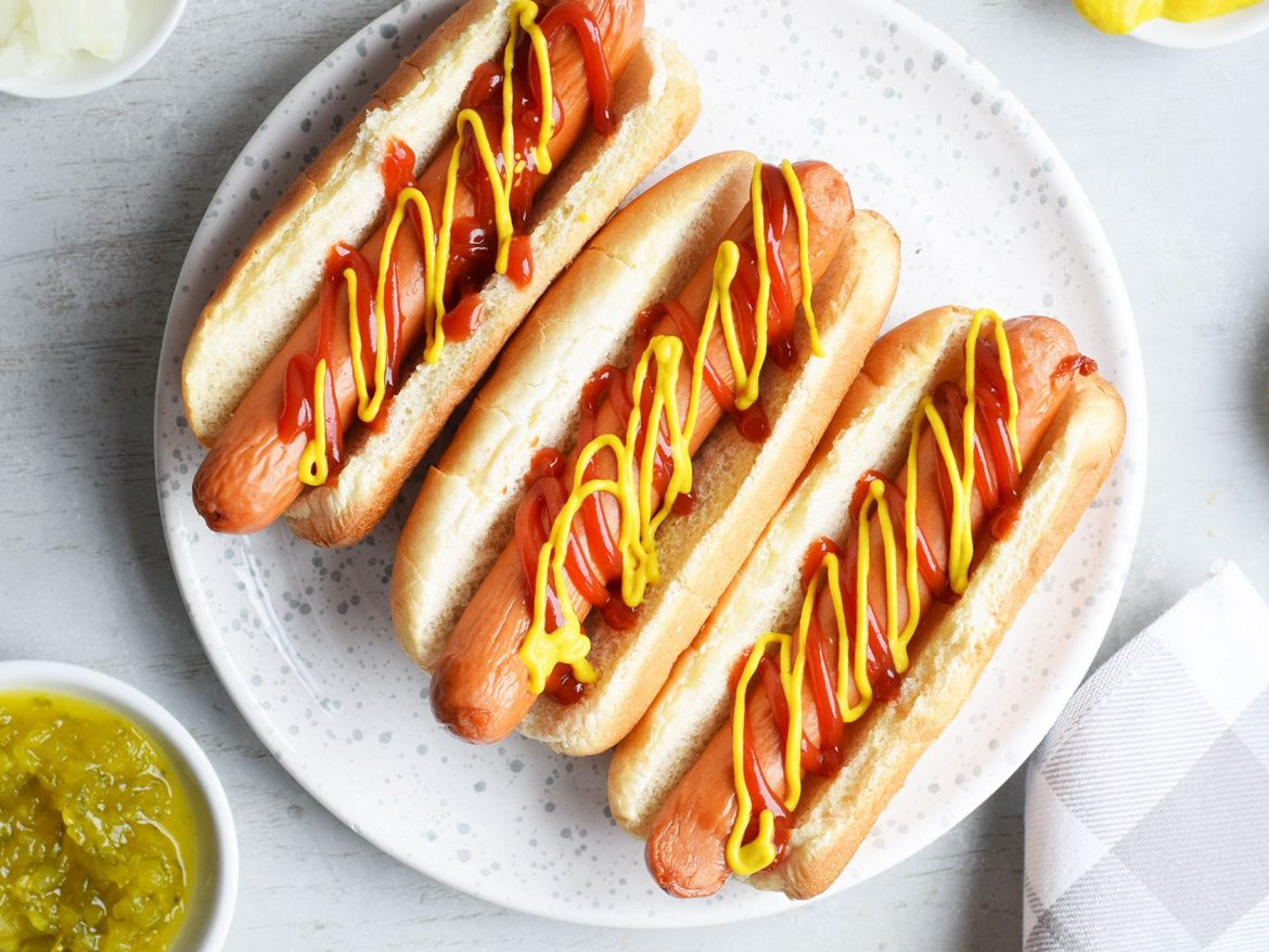 air fryer recipe for hot dogs with mustard or ketchup
