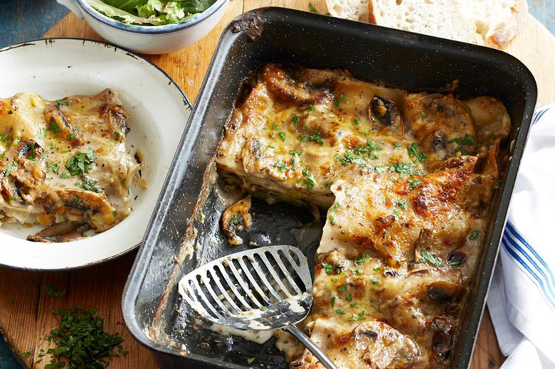 Vegetarian recipe - leek and mushroom lasagne