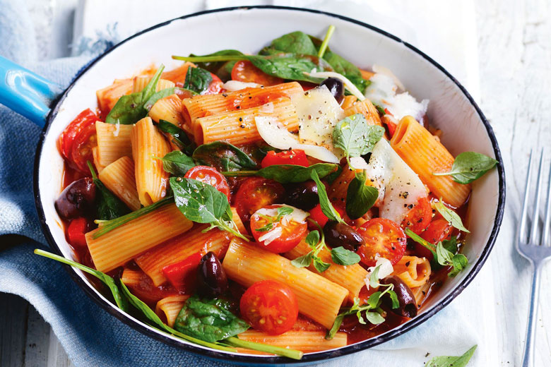 Spinach and Tomato Rigatoni