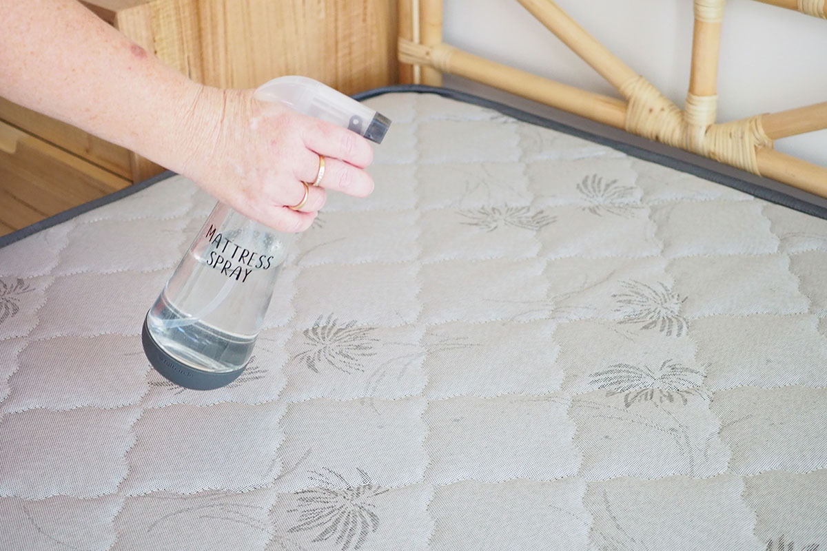 Natural DIY Mattress Spray to absorb odours, helps deter dust mites and leave the mattress smelling fresh.